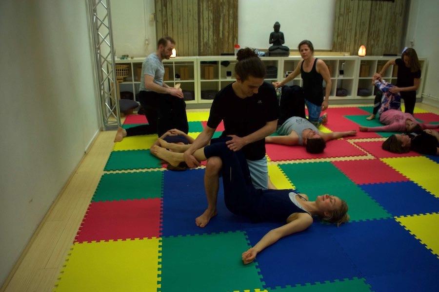 AcroYoga Thai Massage LivYoga