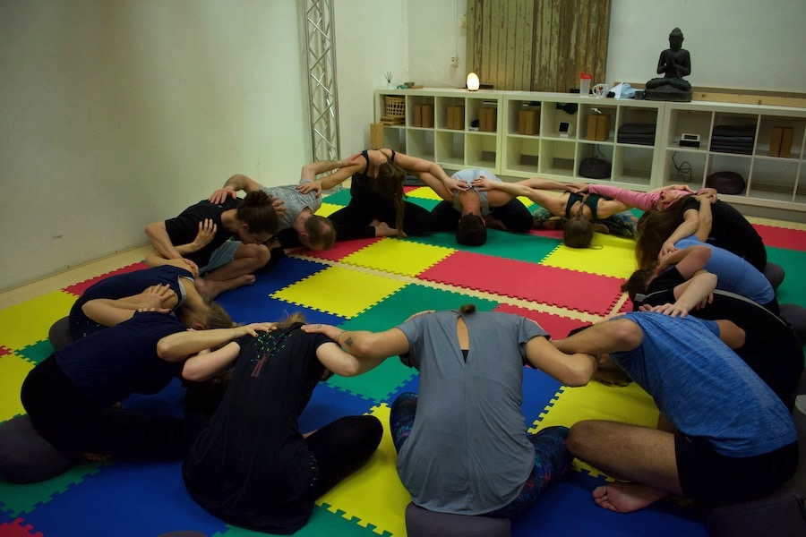 AcroYoga connection
